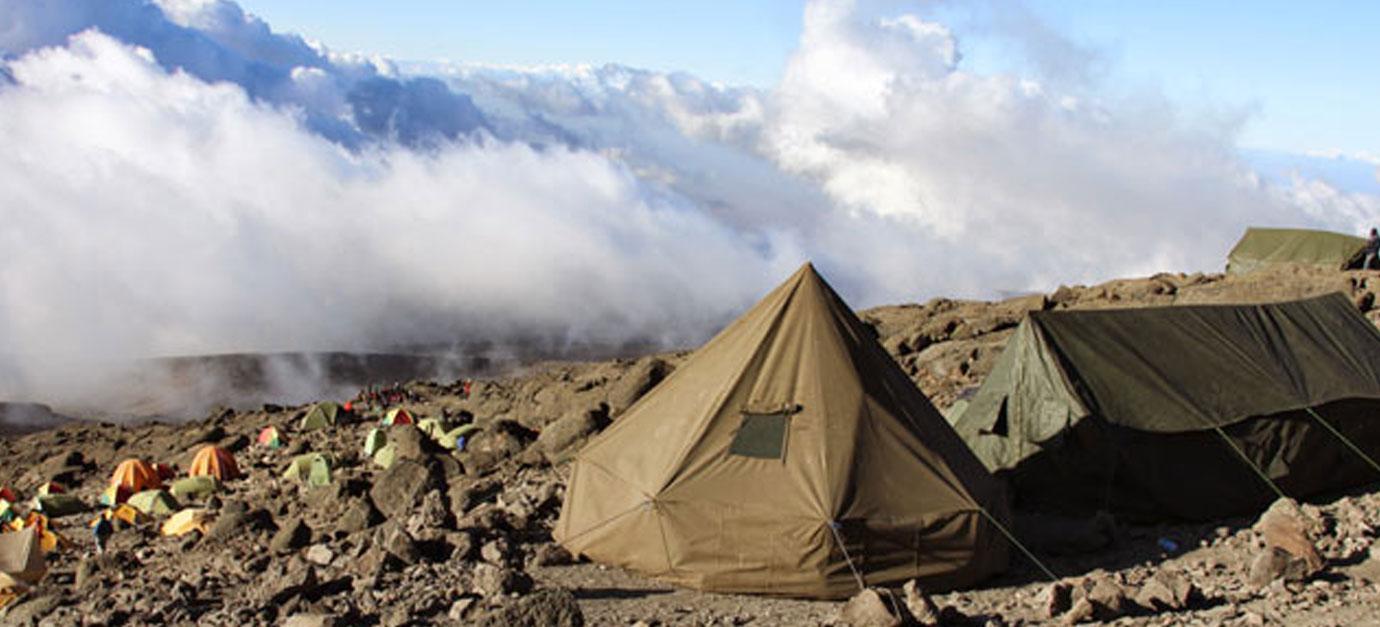 robert-safaris-adventure-mt-kilimanjaro-climbing-galu-beach-mombasa-safari-preise-robert-safaris